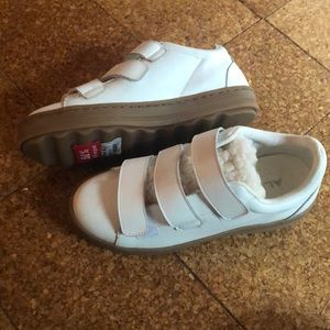 Size 6 White Velcro fluffy shoes from Aldo